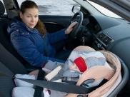जानिए सी-सेक्शन के कितने समय के बाद महिलाएं कर सकती हैं ड्राइविंग