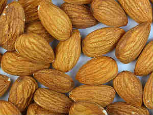 Benefits Almonds Beauty With Brain Aid0092