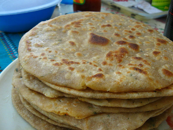 Aloo Pyaz Paratha: Breakfast Recipe