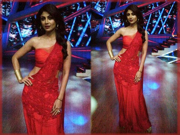 Shilpa Shetty Looks Red Hot In A Raaj Saree