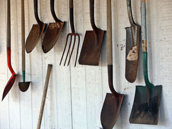 How To Remove Rust From Garden Tools