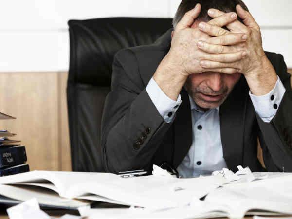1) तनाव को कम करता है