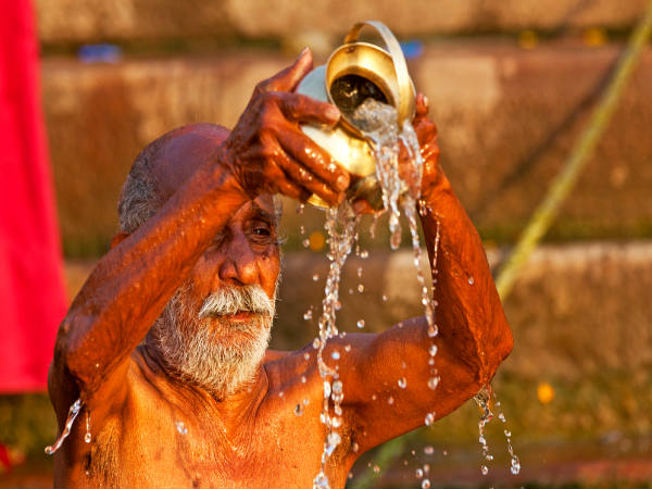 Significance of offering water to SUN