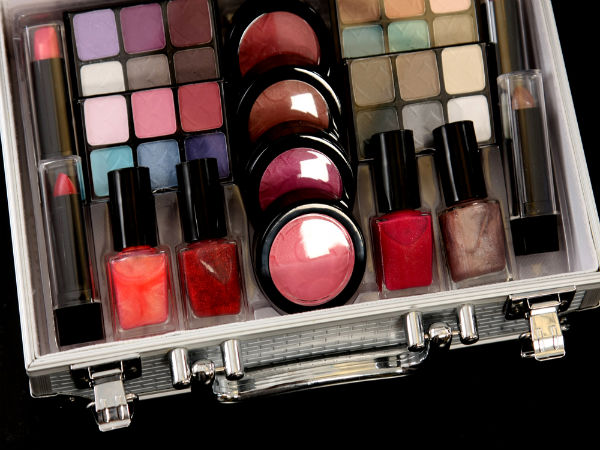 Ways To Care For Your Makeup Kit