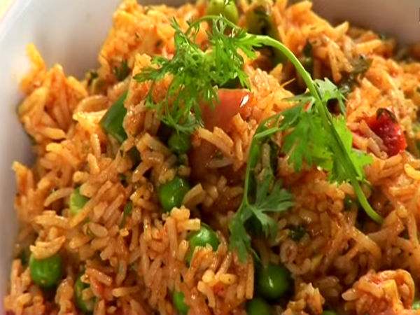 15 Minute Tomato Rice With Peas Recipe
