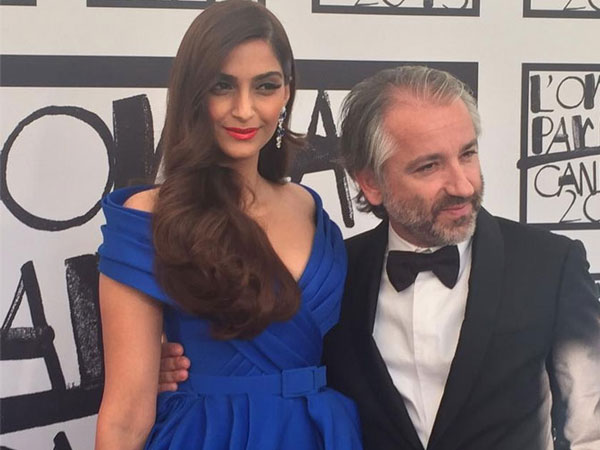 Sonam Kapoor In Dreamy Blue3