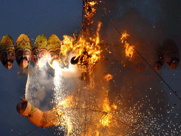 Why and how Dussehra is celebrated?3