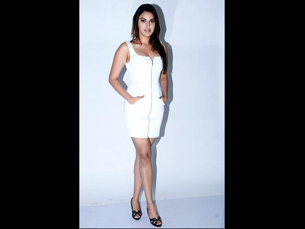 Anushka Ranjan In White For A Photoshoot3