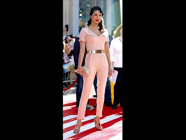 Priyanka Chopra loves jumpsuits4