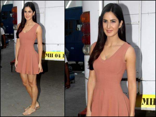 katrina-kaif-at-mehboob-studio-in-peach-dress
