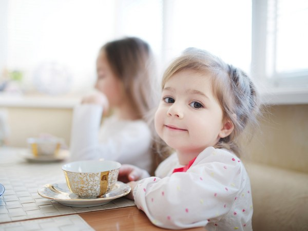Is it okay if your toddler drinks tea? 1