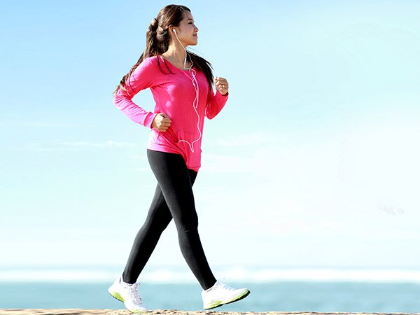 Brisk Walk Boosts Memory In Breast Cancer Survivors: Study Reveals