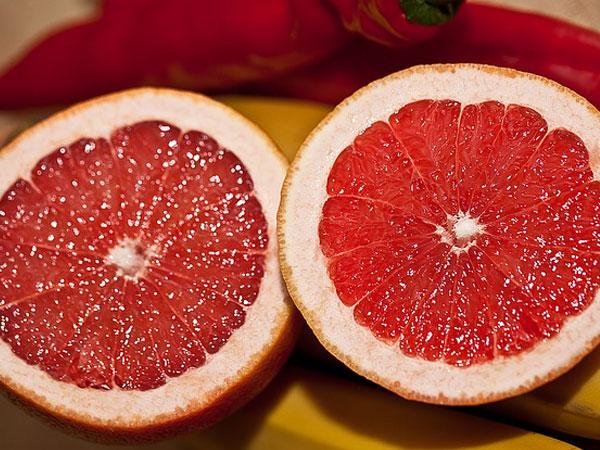 खाइये ऐसे फल जिनमें चीनी की मात्रा होती है एकदम कम