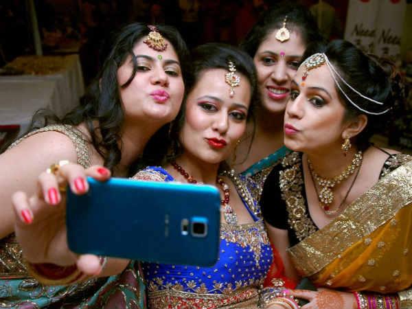 जानें, भारतीय महिलाओं के सबसे पसंदीदा त्यौहार करवा-चौथ की कहानी