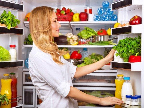 इन खाद्य पदार्थों को कभी भी फ्रिज में न रखें; कारण जरूर पढ़ें