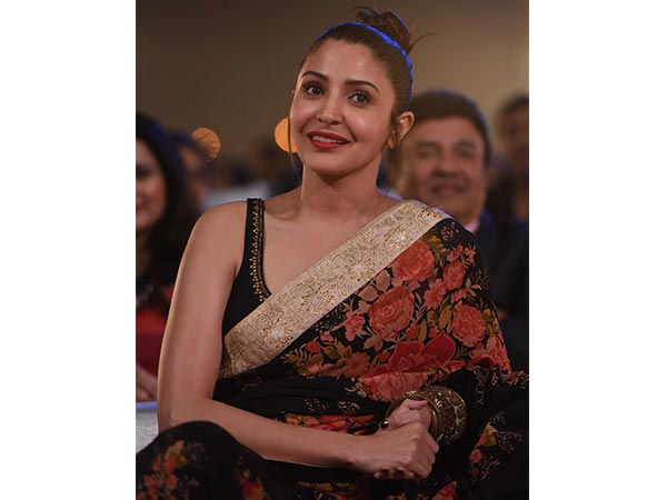 Anushka Sharma Slaying In Beautiful Sabyasachi Saree 1