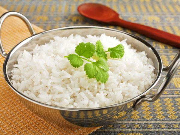 बासी चावल को रातभर भिगोकर खाएं, होंगे ये फायदे