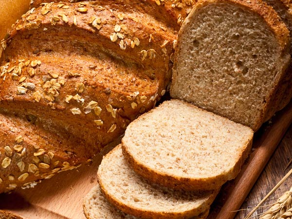 क्यों व्हाइट नहीं, ब्राउन ब्रेड होती है हेल्दी?