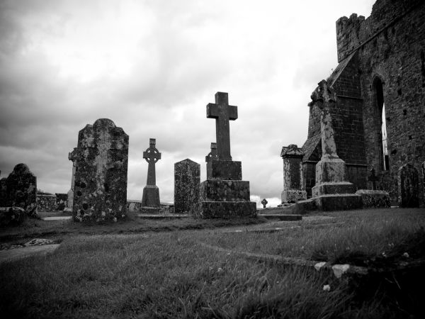 दुनियाभर के भूले बिसरे कब्रिस्तान, जो आज है विश्व की जानी मानी जगहें