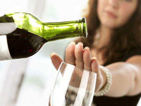 शराब के नशे से मुक्ती दिलाने में असरदार हैं ये  चमत्कारी  घरेलू उपचार