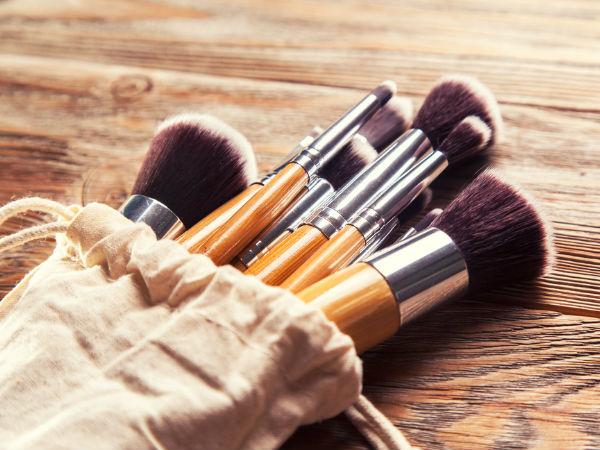 फाउंडेशन ब्रश - Makeup Brush Kit