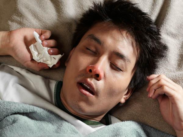 अगर आप भी मुंह खोलके सोते हैं, तो पढ़ें इस समस्या से बचने के तरीके
