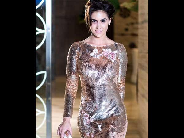 शिमर ड्रेस में दिखा लॉरेन का हॉट अवतार