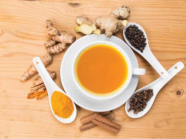 क्या गर्मियों में फायदेमंद होता हैं चाय की चुस्की लेना?