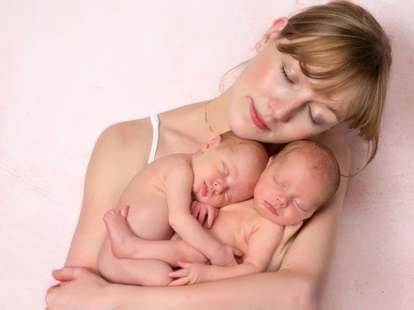 """Image result for जुड़वां बच्चे होने वाले हैं तो रखें इन बातों का ध्यान"""""""