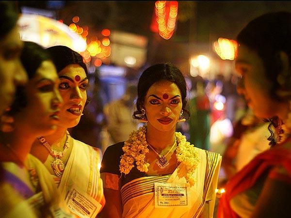 इस मंदिर में महिलाओं की तरह 16 शृंगार करने के बाद ही पुरुषों को मिलता है प्रवेश, जानिए ऐसा क्यूं?