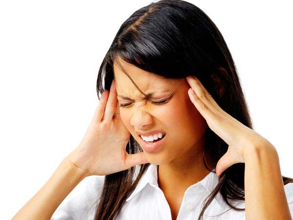 Headache: 4 signs that indicate medical emergency