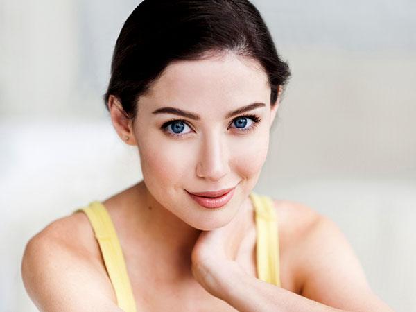 बेजान त्वचा को स्वस्थ  बनाने के लिए अपनाएं ये 5 प्राकृतिक उपाय