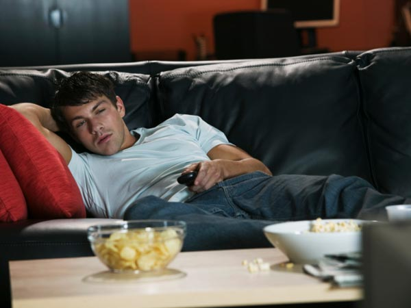 Addicted To A TV Series? Here's What Binge Watching The Television Does To Your Body