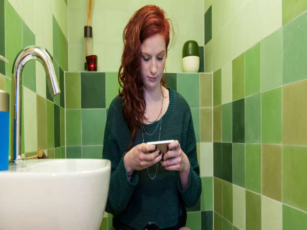 Why you need to stop using phone in the toilet