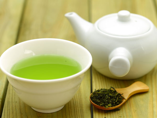 Do You Have A Sensitive Tooth? Check How Green Tea Can Help