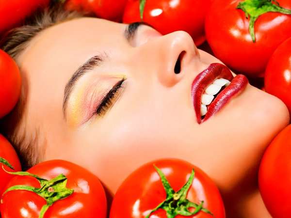 Gorge on tomatoes for healthy skin
