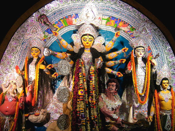 दुर्गा पूजा 2017 – बंगाली लोग महालया पर्व क्यों मनाते हैं
