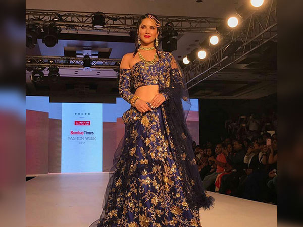 sunny leone at bombay times fashion week