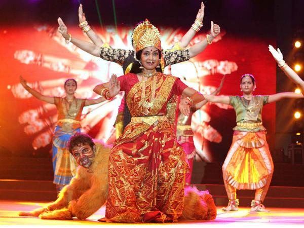 नवरात्रि के 9 दिन पहने ये कलर्स, बरसेगी मां की महिमा