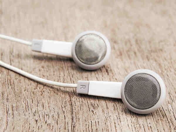 Do Your Hearing A Favour: Don't Buy Fake Or Roadside Earphones 1