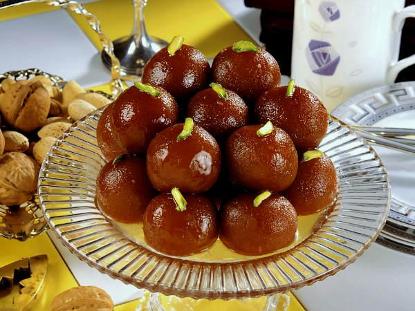Diwali Special: Things to keep in mind before eating sweets