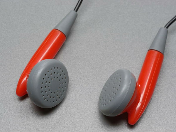 Do Your Hearing A Favour: Don't Buy Fake Or Roadside Earphones
