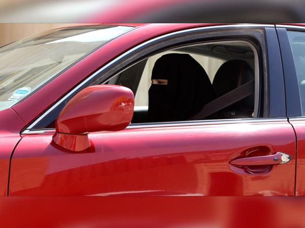 इस अनोखे देश में लड़किया नहीं चला सकती है गाड़ियां