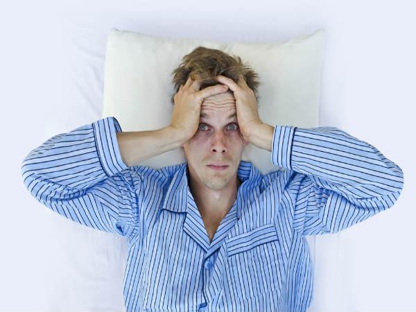 नींद में है बड़बड़ाने की आदत से छुटकारा दिलाएंगे ये 8 उपाय
