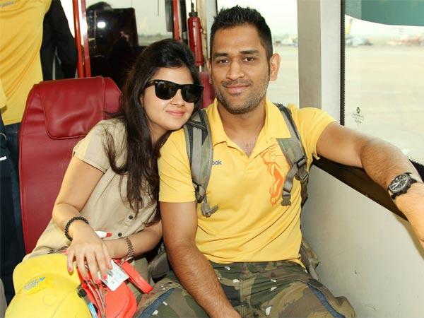 आपके चहेते क्रिकेटर्स जिनकी पत्नियां है उनसे बहुत बड़ी, जानिए कौन है