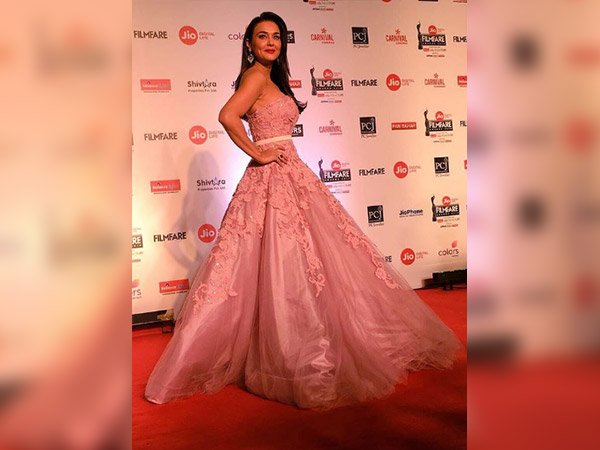 Preity Zinta Turned Into A Pretty Princess At The Filmfare Awards 2018