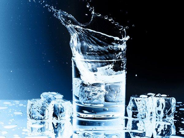 जानिए, वजन के अनुसार पूरे दिनभर में  कितना पानी पीना चाहिए?