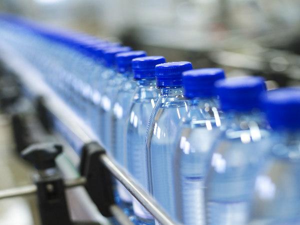 सावधान!  मिनरल वॉटर के नाम पर बोतलों में बंद बिक रहा जहर..  रिसर्च में हुआ खुलासा