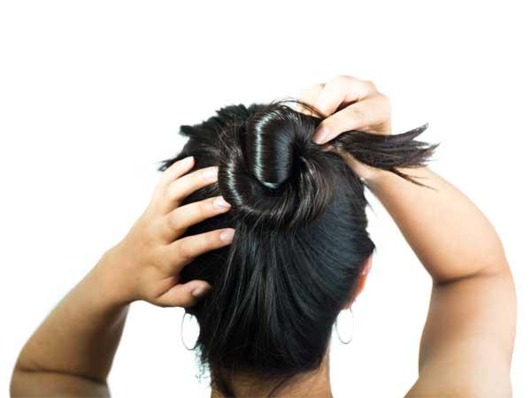 बालों का सत्यानाश करती हैं आपकी ये रोजाना की गलतियां