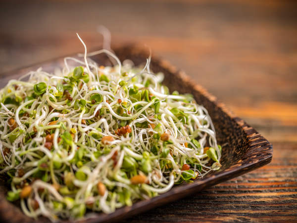 Health Benefits Of Sprouts in hindi